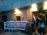 """[CNT-Tabernas B.G.] Crónica de la concentración frente a """"El Champi"""" y """"La Ballena Colorá"""" del pasado 1 de julio."""