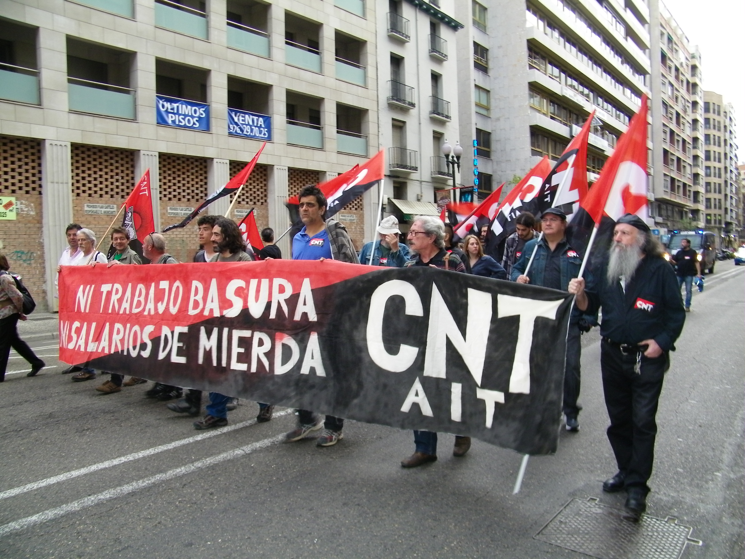 CNT-Zaragoza-en-la-manifestacion-FCC-parques-jardines-10-abril-2014