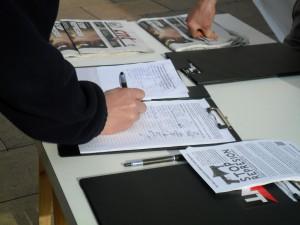 firma en mesa de firmas