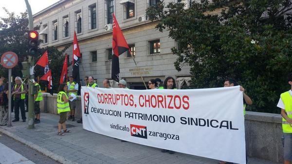 Cnt zaragoza se concentr en madrid contra la subasta de patrimonio sindical cnt arag n rioja - Subastas ministerio del interior ...