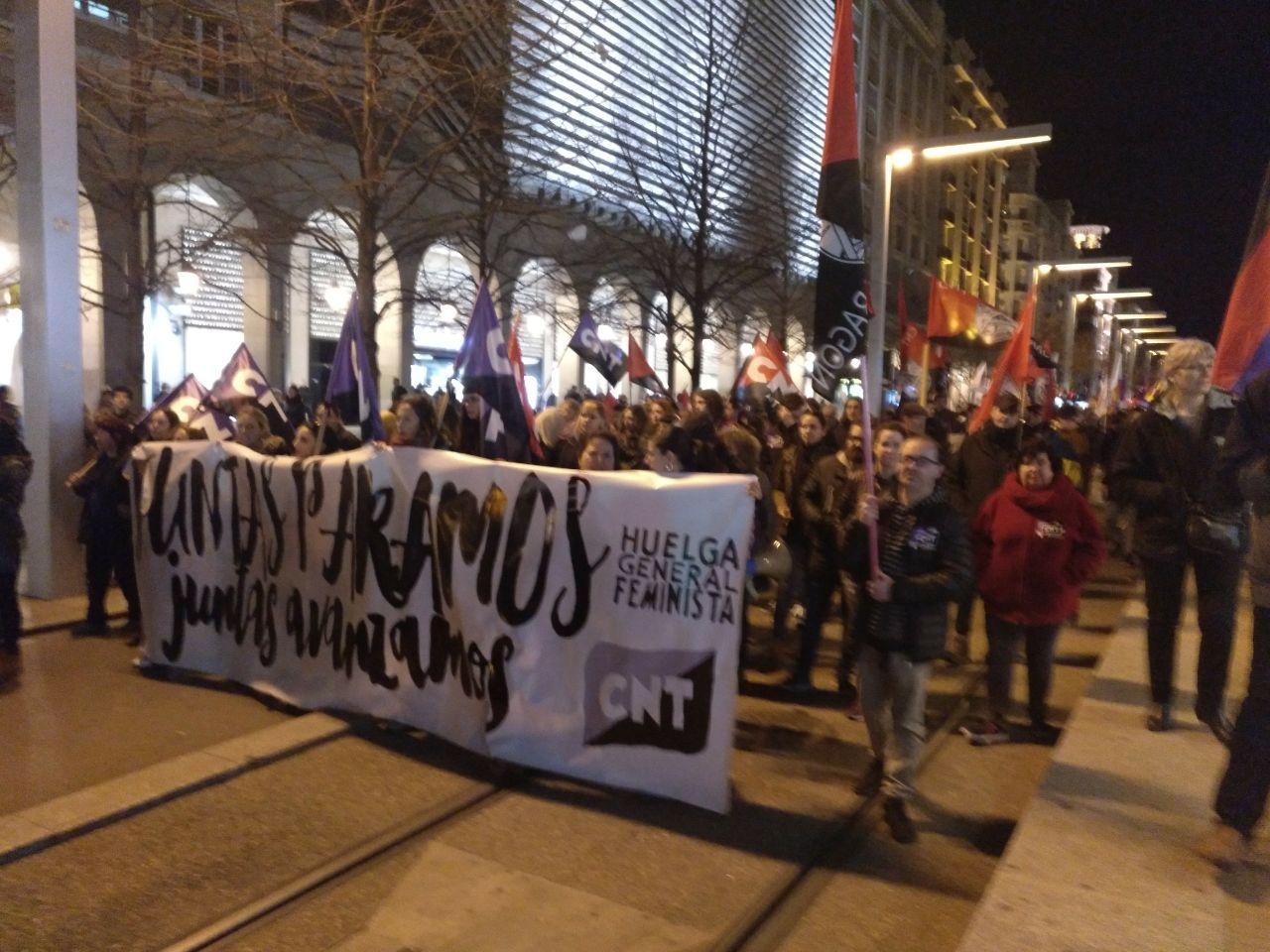 pancarta-cnt-8m-zaragoza-manifestación-noche-independencia-2